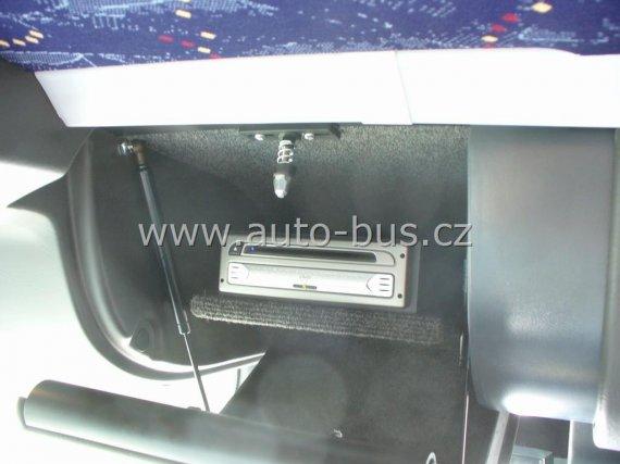 Instalace navigačního systému, DVD přehrávače, parkovací kamery