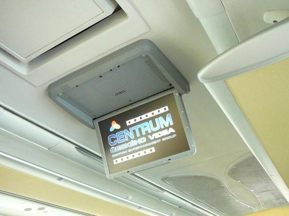 """Instalace 19""""elektrického stropního monitoru"""